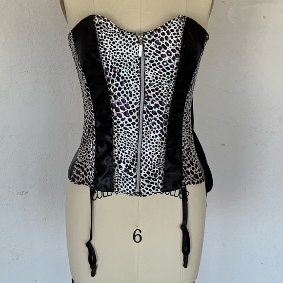 Frederick's of Hollywood Other - Cheetah print corset